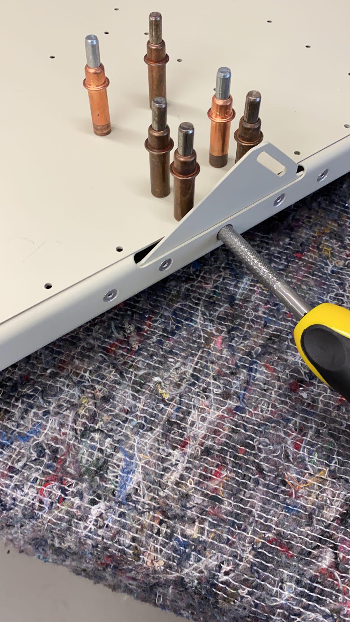 Improve seat locking mechanism